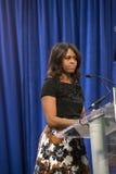 第一个夫人米歇尔・奥巴马发表一次演说 库存照片