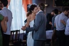 第一个婚礼舞蹈 库存照片