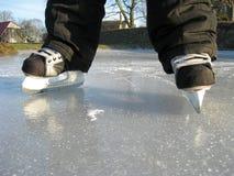 第一只冰鞋 免版税库存图片