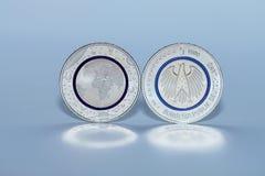 第一枚德国人五欧元硬币 库存照片