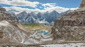 第一雪,稍兵通行证,班夫国家公园 库存照片
