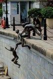 第一代雕塑- 免版税库存照片