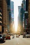 第七条大道(时尚大道)和叫作亚当・卡里顿鲍威尔 免版税图库摄影