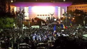 第三天在大学正方形的抗议反对腐败和罗马尼亚政府 股票视频