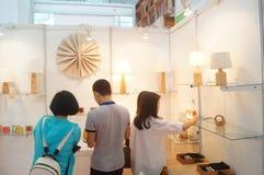 第二十四种中国(深圳)国际礼物、艺术&工艺,家供应陈列 库存照片