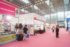 第二十四种中国(深圳)国际礼物、艺术&工艺,家供应陈列 图库摄影