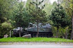从第二次世界大战的坦克在巴斯托涅,比利时附近 免版税图库摄影