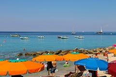 第勒尼安海海岸的人们,厄尔巴岛的Sant安德烈亚斯 库存图片