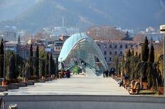 第比利斯现代建筑学  和平步行桥  库存照片