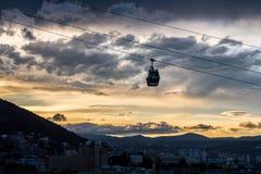 第比利斯空中览绳在晚上 免版税图库摄影