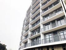 第比利斯,乔治亚- 2018年3月27日:一个新的高住宅公寓的建筑在第比利斯,乔治亚 免版税库存照片