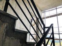 第比利斯,乔治亚- 2018年4月06日:具体台阶的建筑在第比利斯,乔治亚 免版税库存照片