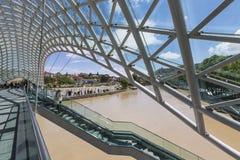 第比利斯,乔治亚- 5月07 :和平桥梁是弓型p 库存图片