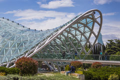 第比利斯,乔治亚- 5月07 :和平桥梁是弓型p 免版税库存照片