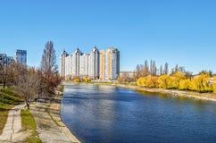 第聂伯河的基辅乌克兰银行看法  库存图片