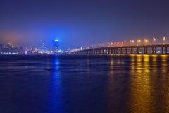 第聂伯罗彼得罗夫斯克地平线在晚上。 免版税库存照片