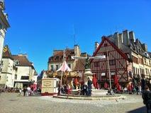 第茂,第茂,法国老镇的中心正方形  库存图片