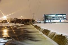 第6个街道水坝大瀑布城 免版税库存照片