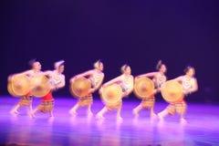 第10中国艺术节舞蹈竞争-女孩跳舞曝光(两次) 免版税图库摄影