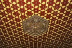 13第19伊斯兰教的plafond装饰 免版税库存照片