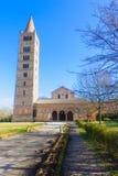 第9修道院结构本尼迪克特教团修建了世纪多数最近的北一个pomposa罗马式是的扩大的示例费拉拉重要意大利最新修道院 图库摄影