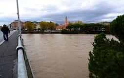 第11 11月2014年, :洪水在意大利 Entella河在基亚瓦里,赫诺瓦,意大利 免版税库存照片