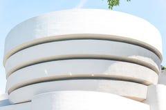第20结构上成为大厦世纪城市收集文化被设计的特别早期的东部坦率的guggenheim家图标重要印象主义者的已知的地标劳埃德被找出的曼哈顿现代多数博物馆新的经常一固定职位r参考的使有名望的s副solomon对较大我们好的怀特・约克 Guggenheim博物馆 图库摄影
