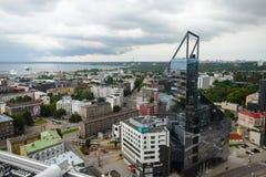 从第24楼的看法到现代城市,塔林 库存图片