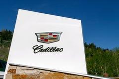 第14第16对西部的2011第25个卡迪拉克成都瓷徽标马达路s 9月显示 库存照片