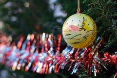 2010第28背景圣诞节12月详细资料查出在照片被采取的结构树白色 免版税库存图片