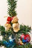 2010第28背景圣诞节12月详细资料查出在照片被采取的结构树白色 免版税库存照片