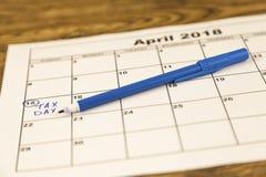 第15,税天,发薪日或者中间月非常浅DOF 免版税图库摄影