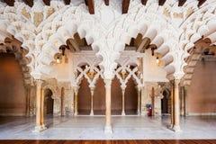 第11第20按照被恢复的伊斯兰宫殿经过多种的筑堡垒于的被安置的hud的aljaferia改变banu被建立的世纪世纪朝代是萨瓦格萨 免版税库存照片