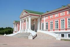 第18个centur庄园kuskovo纪念碑博物馆宫殿 免版税库存照片