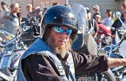 第28只每年牡蛎的Partcipant骑自行车的人 库存照片