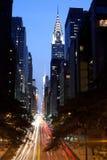 第42条街道在晚上之前 库存照片