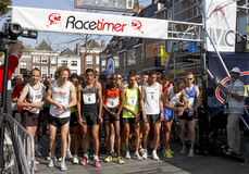 第6条drechtstedenloop线路赛跑者加满 免版税库存照片