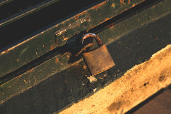 笼子,锁,钥匙 库存图片
