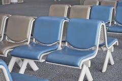 等候室和椅子 免版税库存照片