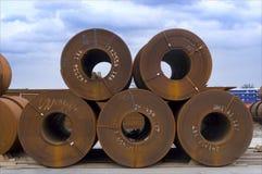 等候港口未加工的钢运输 免版税库存图片