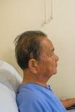 等待一位医生的患者在医院 免版税库存图片