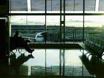 等待在机场 图库摄影