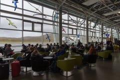 等待在VÃ ¡的乘客迫使机场,法罗群岛,丹麦 库存图片