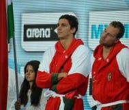 从等待开始的匈牙利队的丹尼尔瓦尔加和维克托纳吉(睡觉) 免版税图库摄影