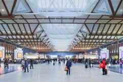 等待的大厅苏州火车站,中国 免版税库存照片