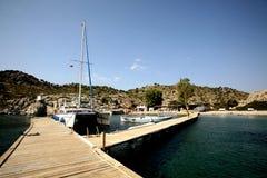 筏在马尔马里斯港 免版税库存图片
