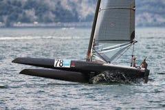 筏在Garda湖的阻止的星期2016年 免版税图库摄影