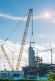 建筑业抽油装置精炼厂工作地点 库存照片