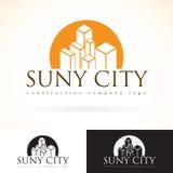 建筑发展大厦公司,传染媒介商标模板集合的设计嘲笑 抽象概念摩天大楼象,太阳silhouet 免版税库存照片
