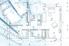 建筑图纸滚动与计划、铅笔和统治者 图库摄影